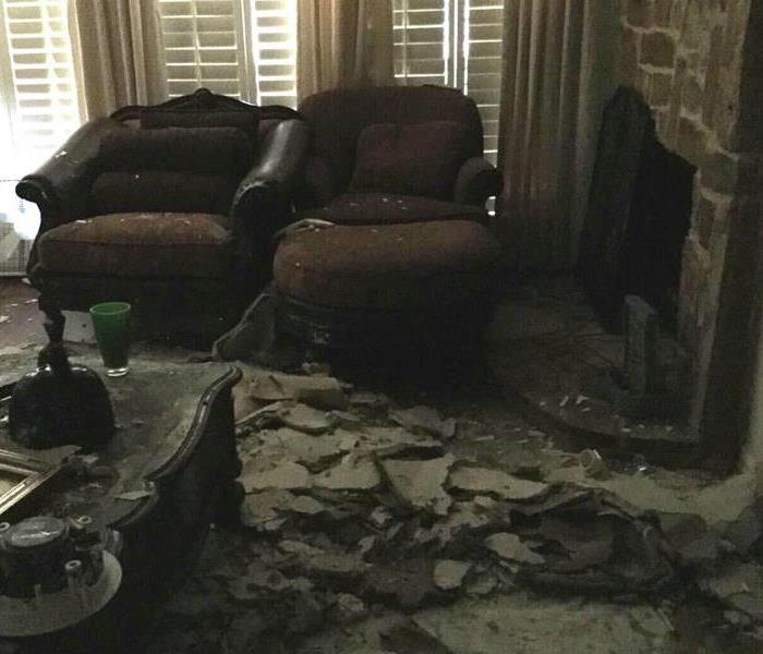 Ceiling Collapses After Water Damage in Dallas Before